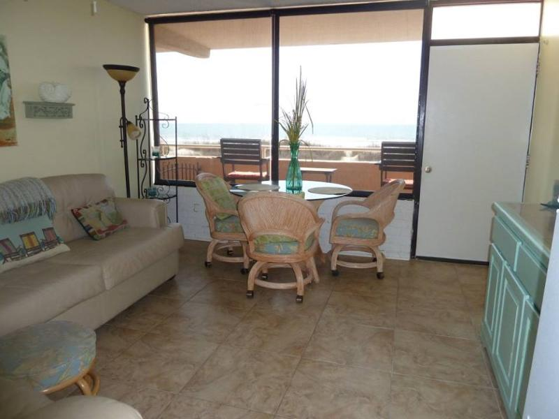 King Bed - Adorable and Affordable Pet Friendly Ocean Front - North Myrtle Beach - rentals