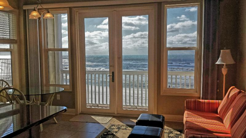 View from the living area - New Beachfront Condo with 10' ceilings & King bed - Seaside - rentals