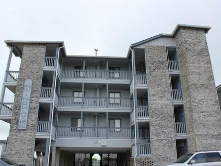 Windhaven 101 - Ocean Front with Shared Pool - Image 1 - Surfside Beach - rentals