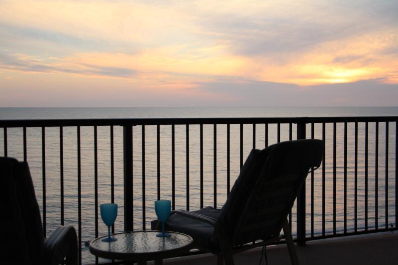 Unwind - (2-week min) Step up to Prestigious Ocean Sands! - Madeira Beach - rentals