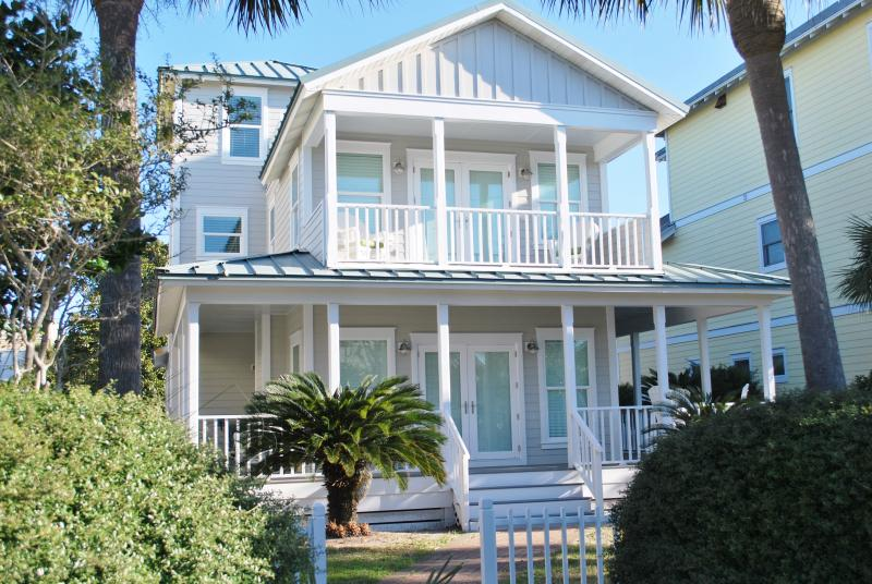Beach House w/Private Pool - 50 Easy yards to sand - Image 1 - Destin - rentals