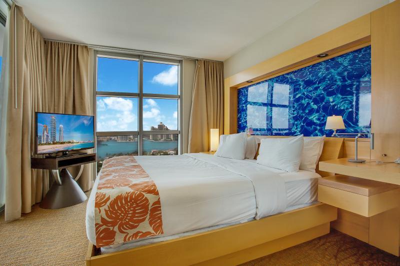 Marenas Resort - Image 1 - Sunny Isles Beach - rentals