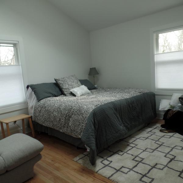 King bed - MODERN COTTAGE WITH HOT TUB - Sag Harbor - rentals
