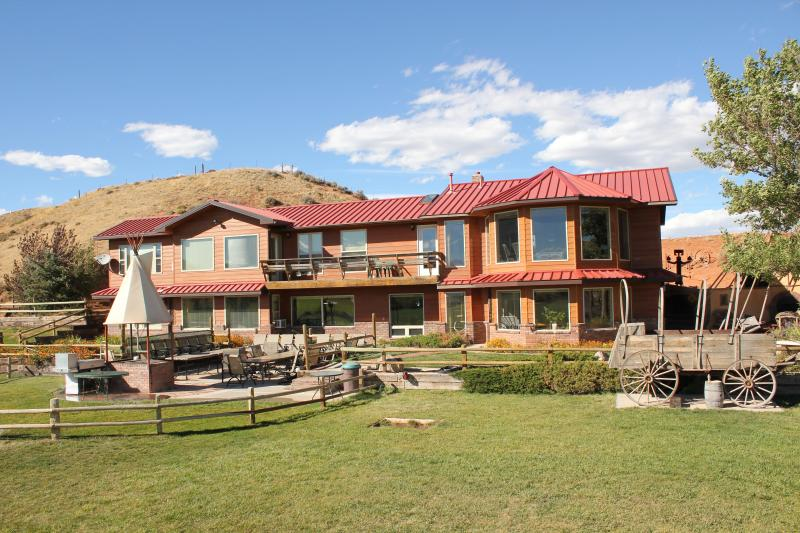 K3 MAIN LODGE - K3 Guest Ranch Bed and Breakfast - Cody - rentals