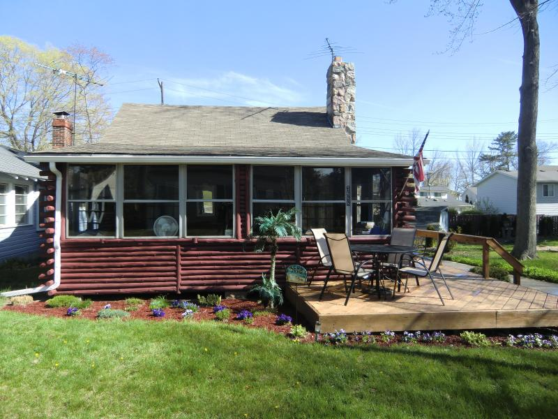 North Lakeport Log Cabin - Great Beach- N. Lakeport Log Cabin - Burtchville - rentals