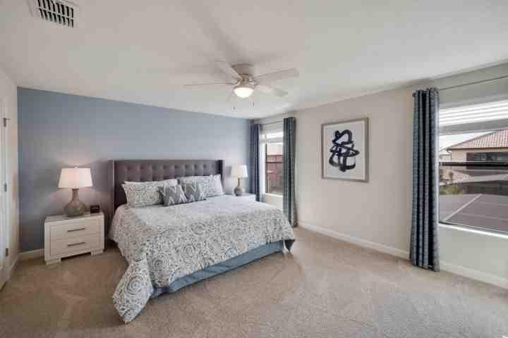 Breathtaking Upstairs King Suite - 5481 Solterra - Davenport - rentals