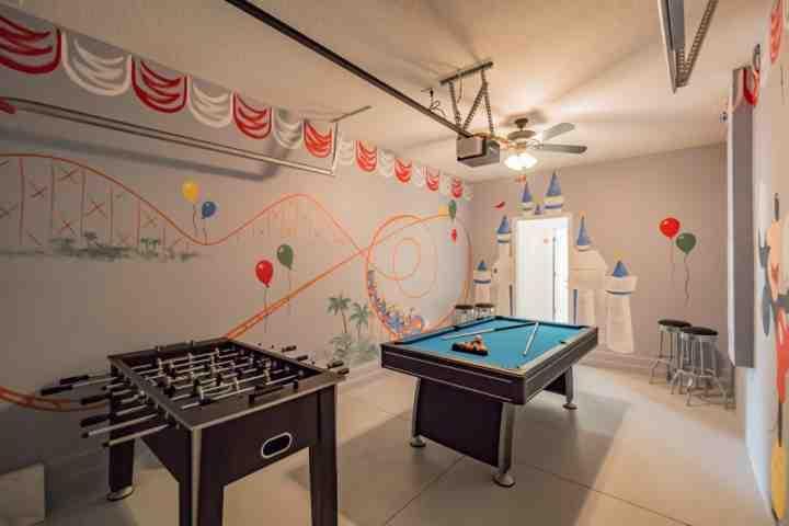 Charming & Fun Garage Game Room - 5481 Solterra - Davenport - rentals