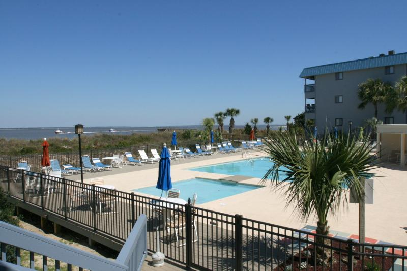 Seaduced - King bed - Sleeps 2 - Image 1 - Tybee Island - rentals