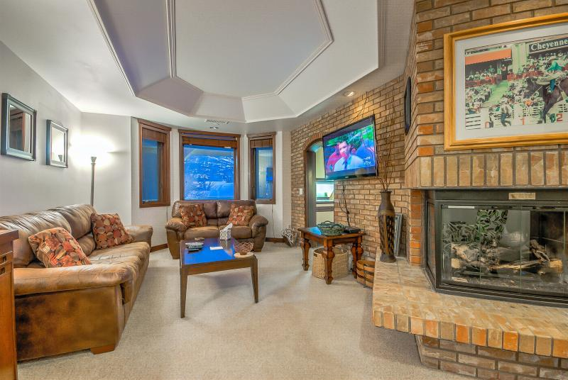 Mountainside Luxury Condo, Great Amenities - Image 1 - Steamboat Springs - rentals