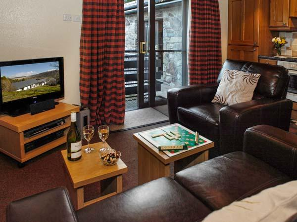 BRECON COTTAGES - MAESYFED, ground floor, en-suite, WiFi, on-site attractions inc. pool, near Pen-y-Cae, Ref. 925417 - Image 1 - Pen-y-cae - rentals