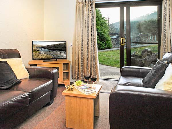 BRECON COTTAGES - POWYS, welcoming cottage, on-site attractions, open plan living, near Pen-y-Cae, Ref. 925420 - Image 1 - Pen-y-cae - rentals