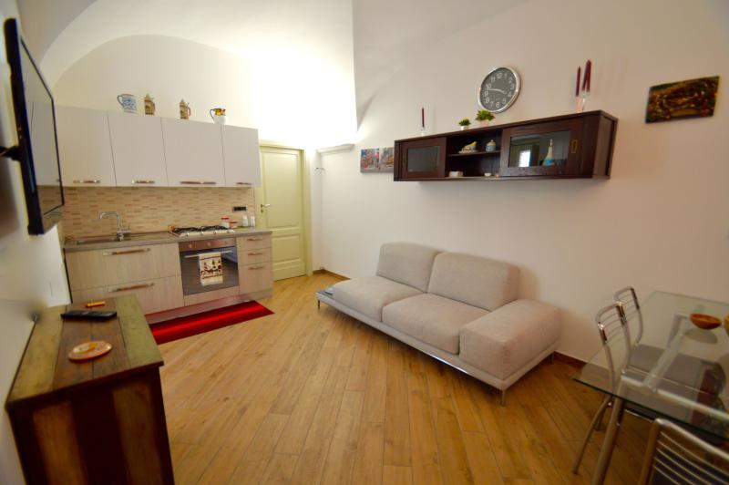 Gelsomino house - apartment in the center of Catania - Image 1 - Catania - rentals