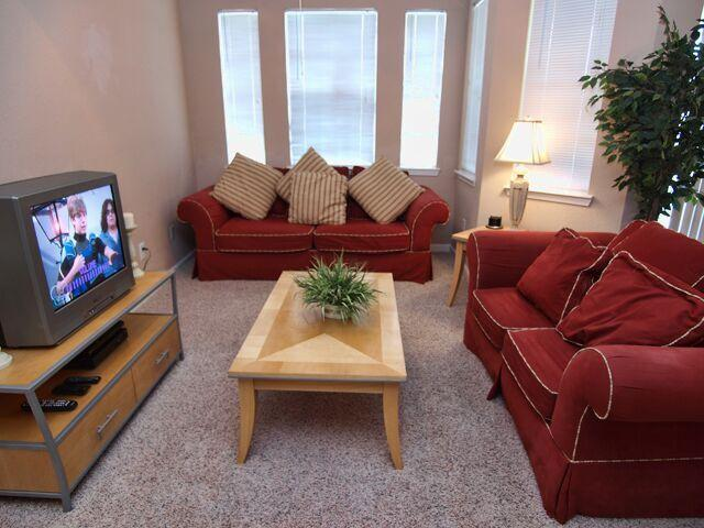 Enjoy Complimentary Cable TV - Murray's Terrace - Davenport - rentals