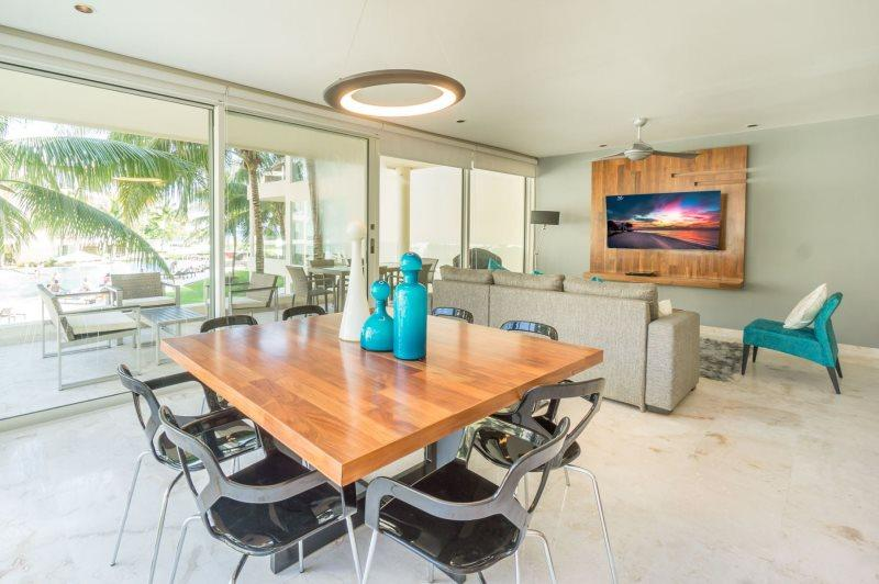 2 Bedroom, Ocean View Condo at The Elements - Image 1 - Playa del Carmen - rentals