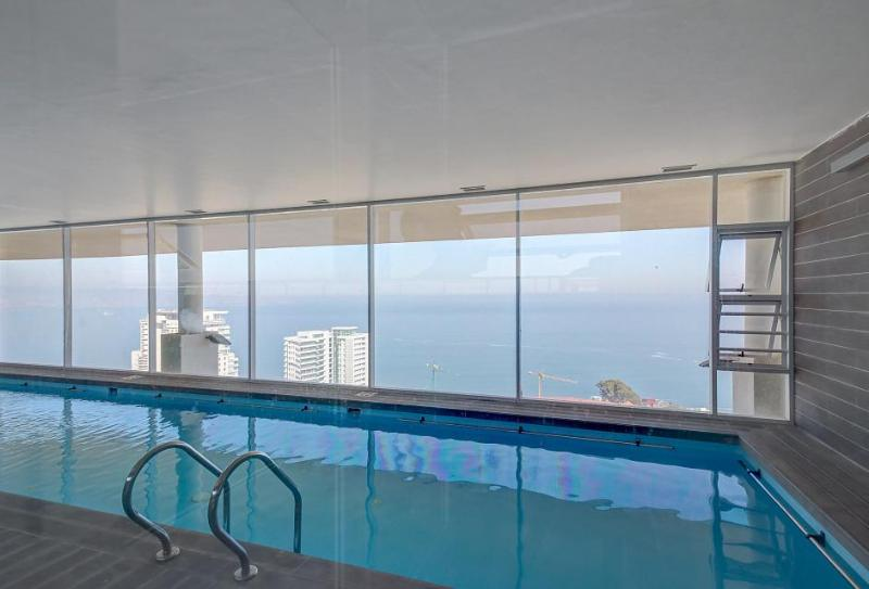 A private balcony, shared pool & gym, walk to the beach! - Image 1 - Vina del Mar - rentals