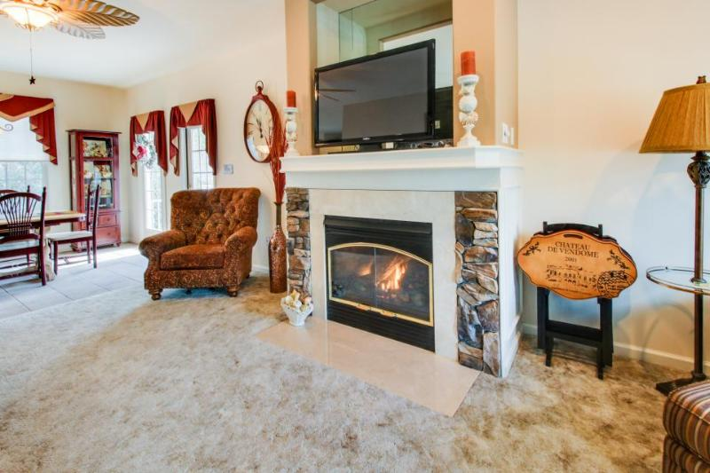 Home by canal w/ big backyard, shared pool & enclosed patio space! - Image 1 - Ocean City - rentals
