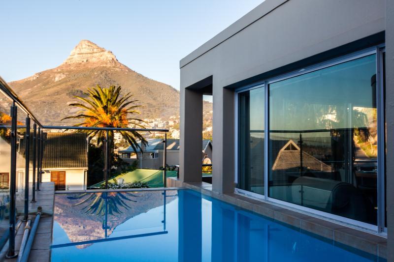 Geneva Drive Luxury Villa - Image 1 - Camps Bay - rentals