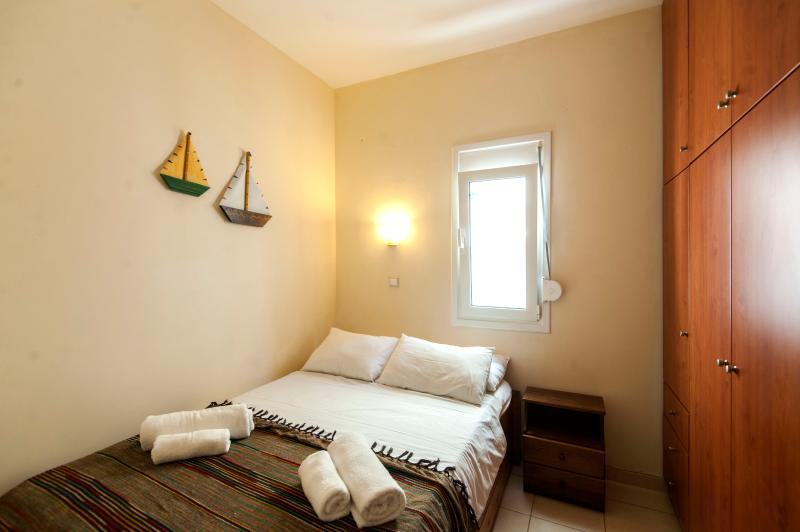 LEVANTES Apt., 100m from the beach - Image 1 - Heraklion - rentals