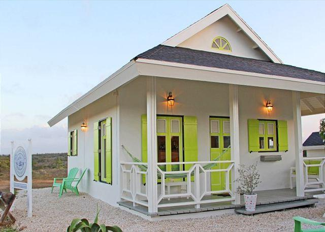 Cute cottage in nature, 3min. to hotels, Marriott,  beaches SPECIAL OFFER! - Image 1 - Noord - rentals