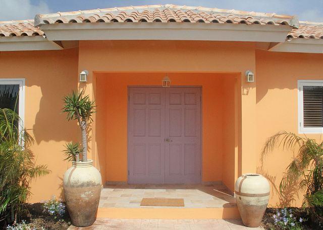 Entry 1BR Superior Apartment (Apt.#1) - Walk to Marriott & Ritz, La Boheme apt #1 Superior - Palm Beach - rentals