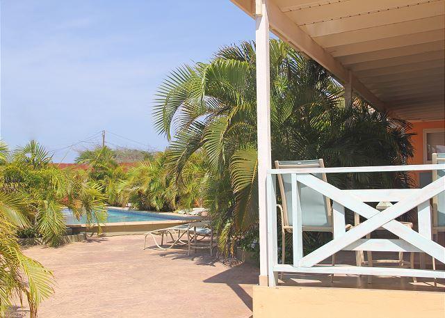 Walk to Marriott & Ritz Carlton, La Boheme Apt. #4 - Image 1 - Malmok Beach - rentals