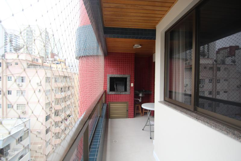 Barbecue - Three bedroons with air, great location. - World - rentals