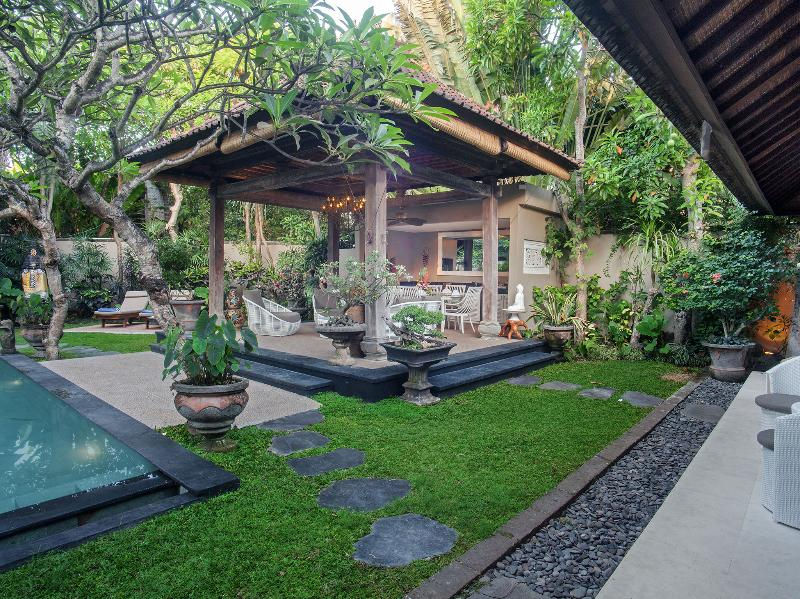 Avalon II - View across garden from guest suites - Avalon II - an elite haven - Canggu - rentals