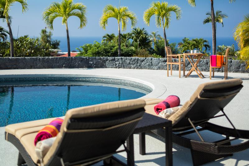 Spacious Pool Area with Lounge Chairs and Ocean View - Recently remodeled Keauhou Estates 5 bedroom home with ocean views and pool. - Kailua-Kona - rentals