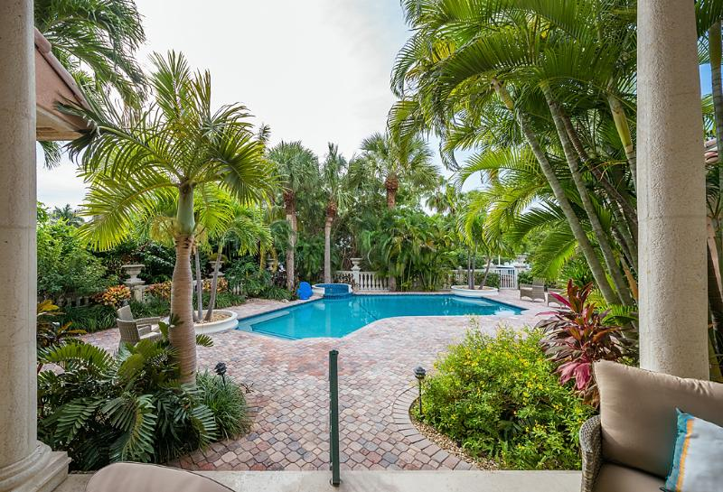 Full Backyard View of Pool, Palm Trees and Landscaping - Exquisite Newly Remodeled 4 BR Key Colony Beach Home with Private Dock, Pool, & Spa - Key Colony Beach - rentals