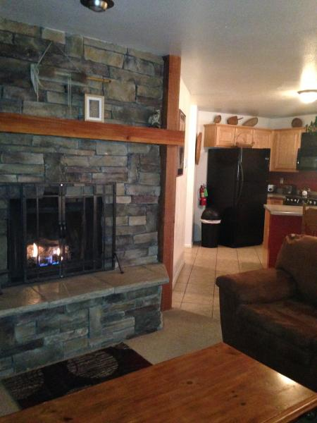 Gas Fireplace - Summer Book 3 nights get 4th Night FREE - Angel Fire - rentals