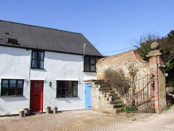 BEECH COTTAGE, barn conversion, character features, walks and cycling on doorstep, WiFi, Ross-on-Wye, Ref 934030 - Image 1 - Ross-on-Wye - rentals