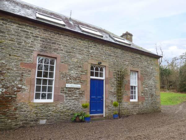 1 LINTHILL COTTAGES, multi-fuel stove, off road parking, gravelled patio, in Lilliesleaf, Ref 927233 - Image 1 - Lilliesleaf - rentals