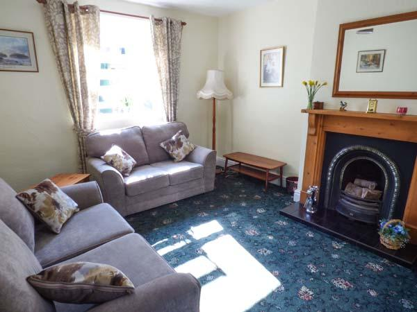 ROCKVILLE, Victorian terraced cottage, open fire, patio, garage parking, shop and pub 2 mins walk, in Hawes, Ref 934652 - Image 1 - Hawes - rentals