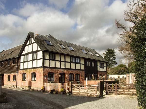 ELVINS COTTAGE, semi-detached barn conversion, Grade II listed, parking, garden, in Presteigne, Ref. 934841 - Image 1 - Presteigne - rentals