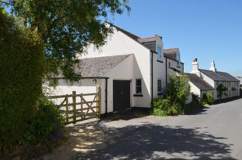 Acorn Cottage - Image 1 - Meavy - rentals
