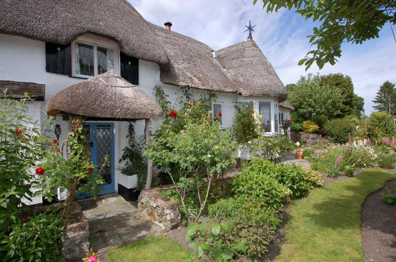 Appletree Cottage - Image 1 - Bovey Tracey - rentals