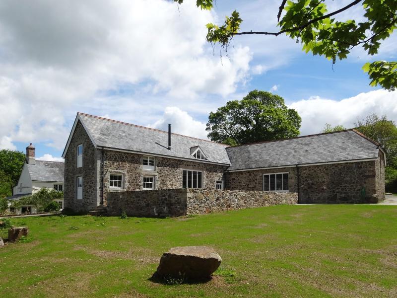 The Stone Barn - Image 1 - Lustleigh - rentals