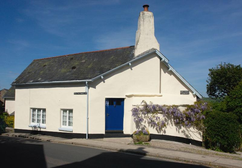 Pineapple Cottage - Image 1 - Chagford - rentals
