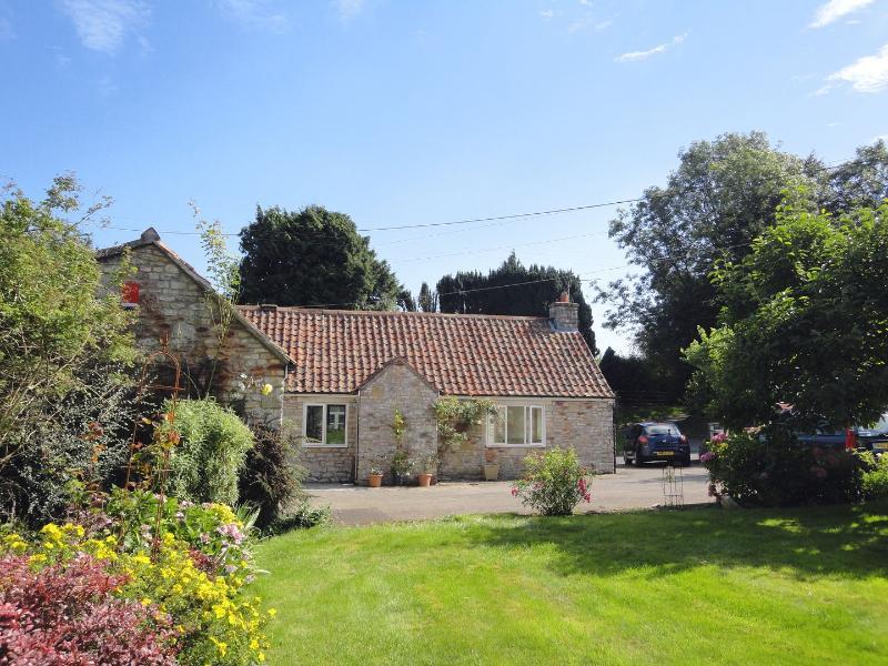 Magnolia Cottage - Image 1 - Chilcompton - rentals