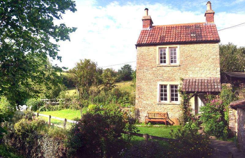 Springfield Cottage - Image 1 - Norton Saint Philip - rentals
