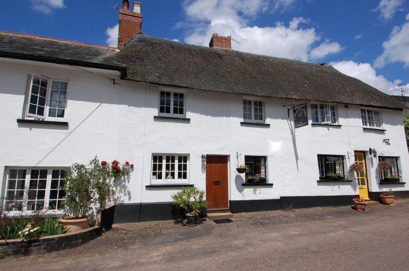 Robin Cottage - Image 1 - Otterton - rentals