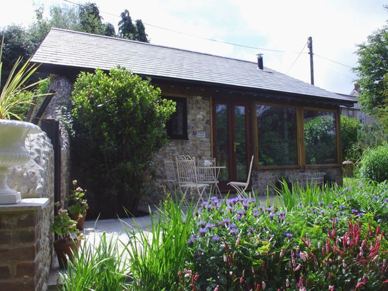 Puffin Cottage - Image 1 - Hawkchurch - rentals