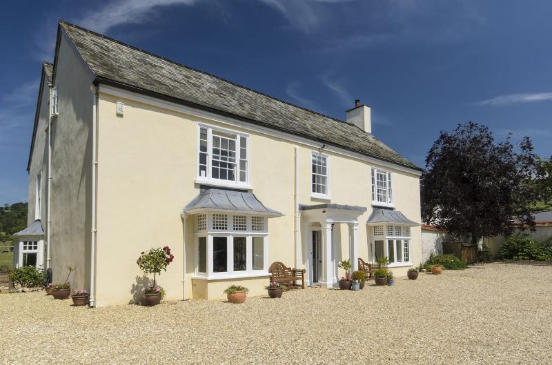 Abbots Manor - Image 1 - Honiton - rentals