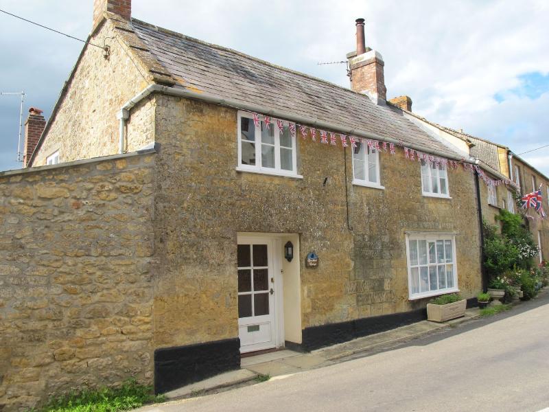 Blackbird Cottage - Image 1 - Broadwindsor - rentals