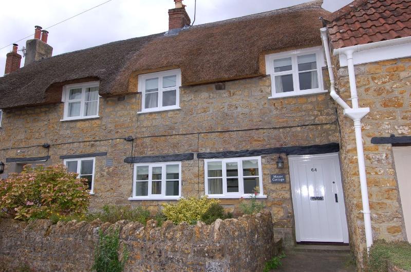Mouse Cottage - Image 1 - Beaminster - rentals