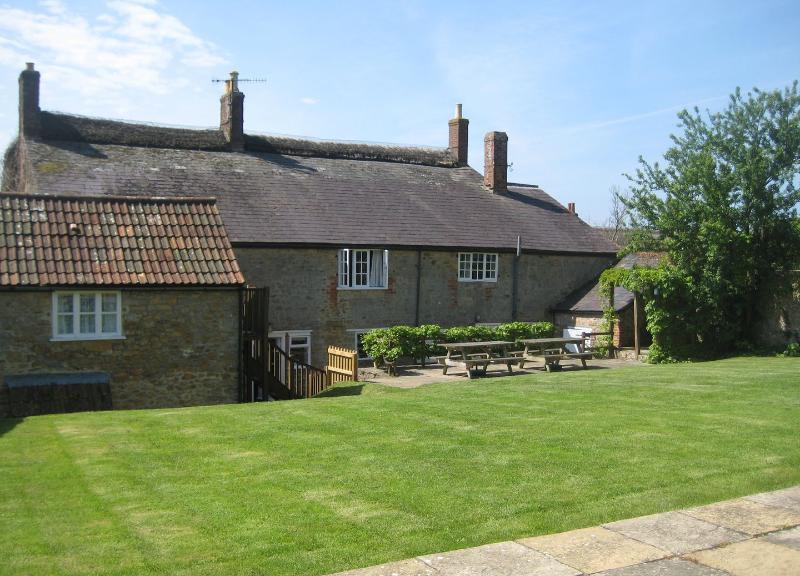 Park Farmhouse - Image 1 - Chideock - rentals