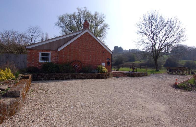 Bramble Barn - Image 1 - Shaftesbury - rentals