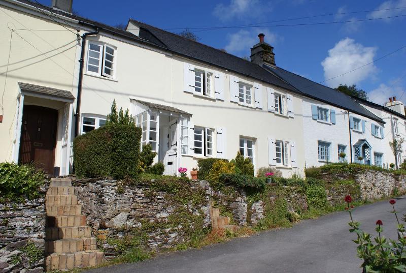 Porthole Cottage - Image 1 - Noss Mayo - rentals