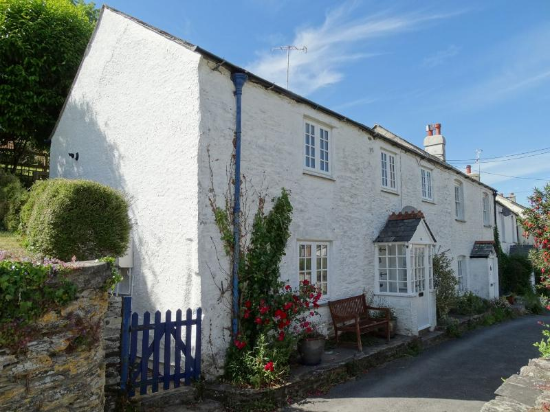 Mollys Cottage - Image 1 - Noss Mayo - rentals