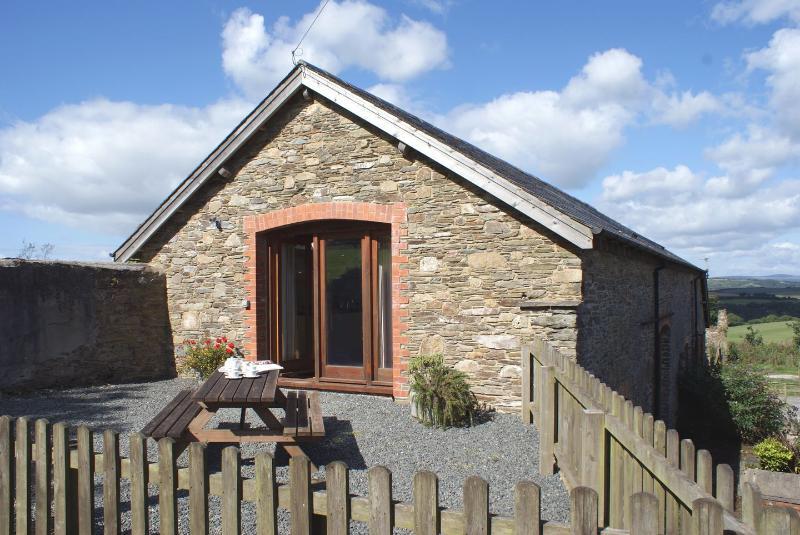 Maple Barn - Image 1 - East Allington - rentals